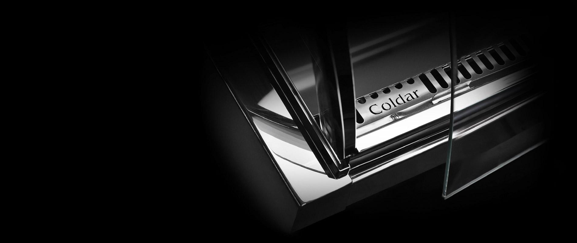 Coldar étudie et produit des meubles frigorifiques entierement en acier inox